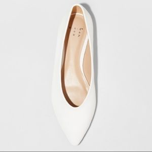 New in box White flats